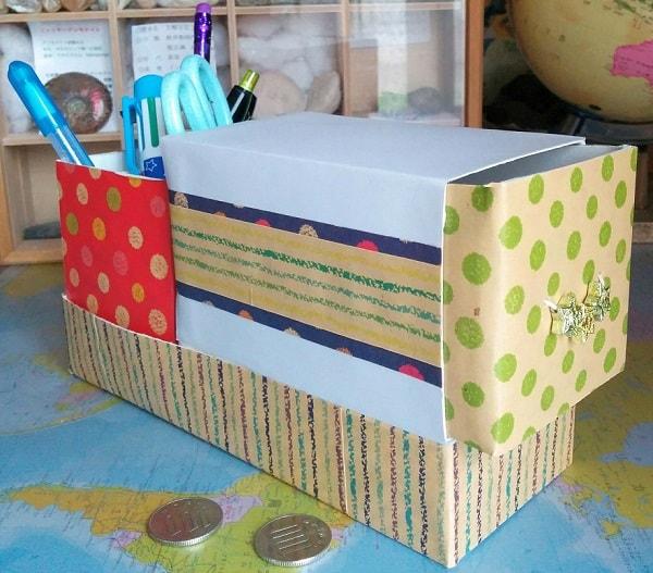 ペン立て工作と小物入れ工作つきの牛乳パック貯金箱