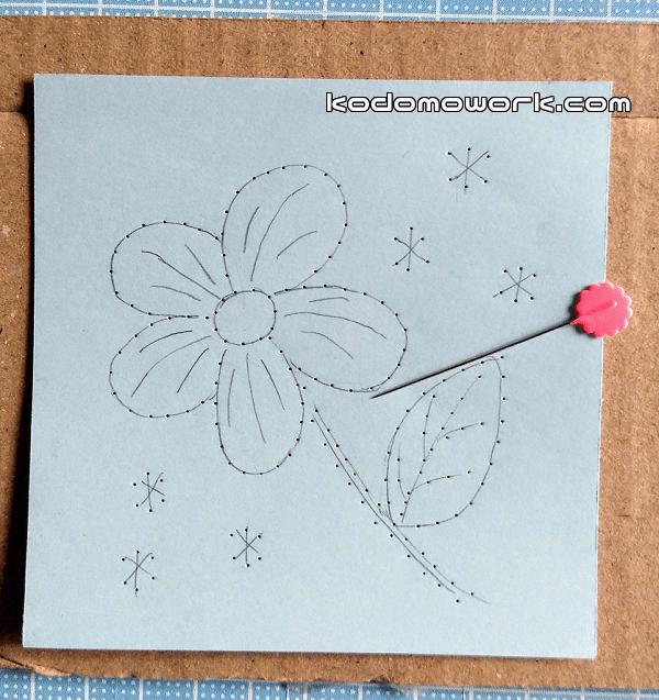 紙刺繍の図案は花