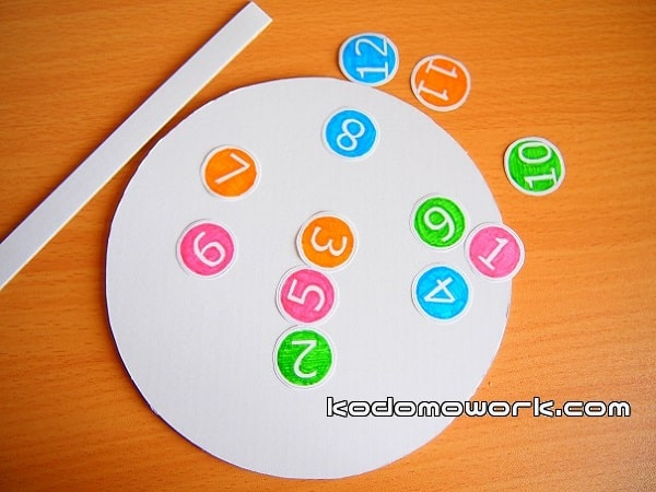 幼児時計おもちゃの文字は自由に作る