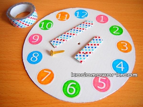 幼児手作りおもちゃなので時計の文字は知育を意識して作るのもいい